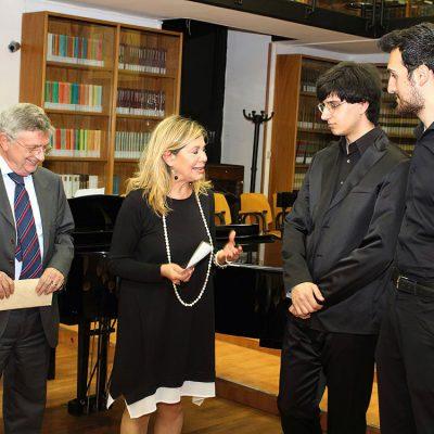 Caserta, concerto in duo alla Biblioteca Diocesana, insieme a Gerardo Andrea Toro e agli organizzatori