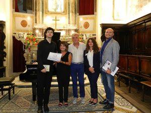 Concerto solista a Vietri Sul Mare, manifestazione Estate Classica, insieme agli organizzatori e al Maestro G. Cuciniello